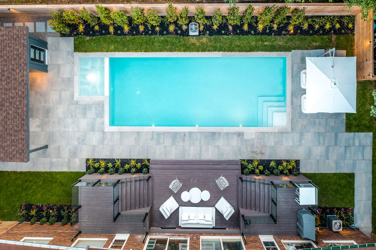 Toronto Landscaping Design & Pool Construction Project; by The Toronto Landscaping Company, M.E. Contracting.