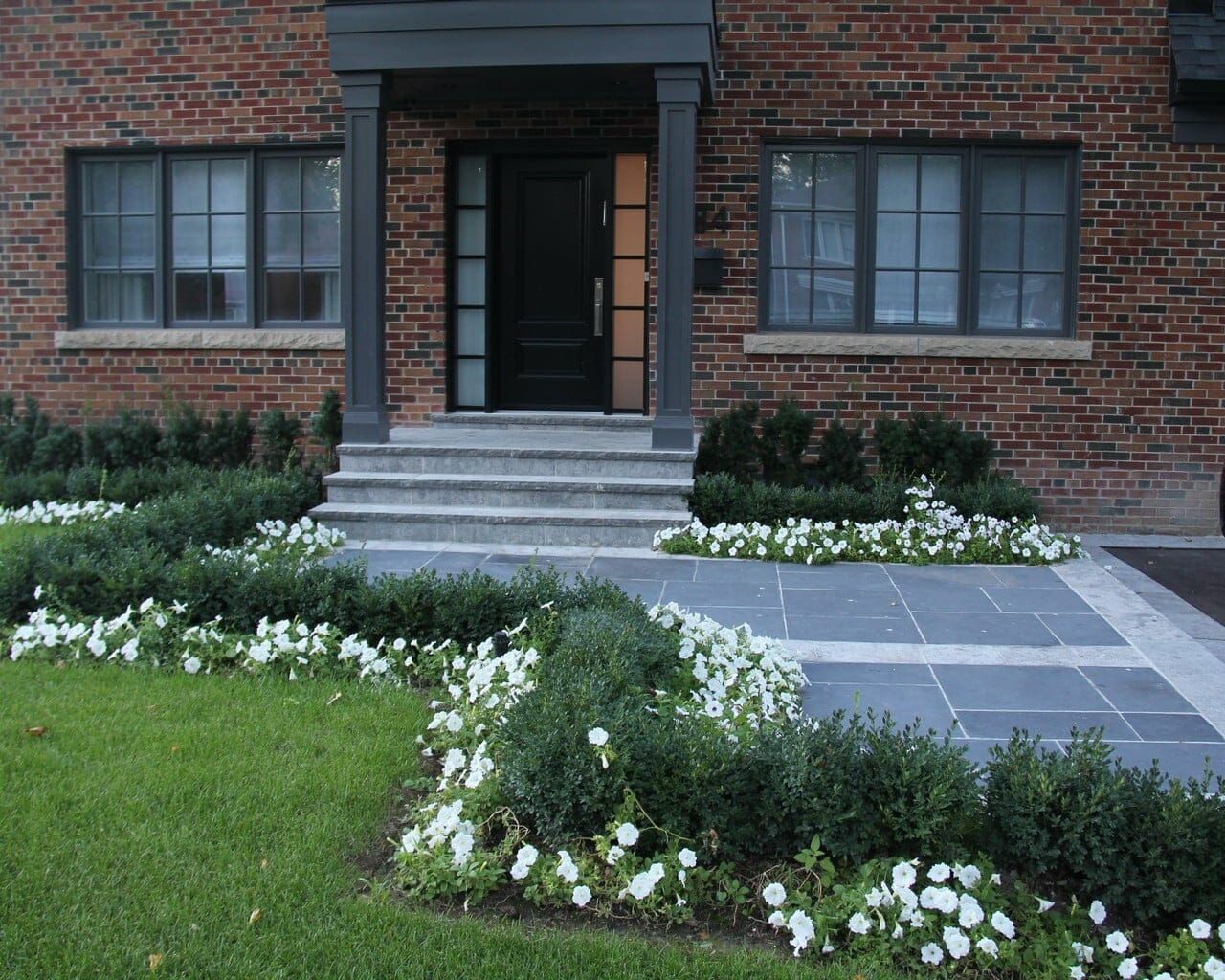 Toronto Landscaping Contractor Can Add Privacy to Your Yard