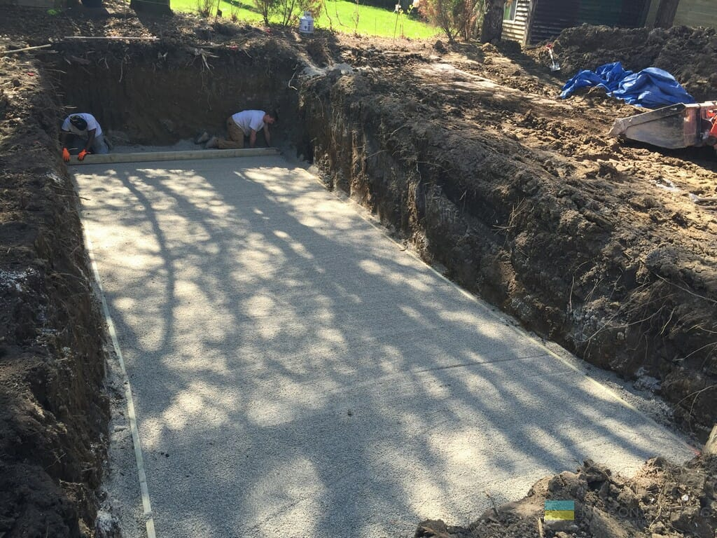 M.E. Contracting landscaping and fiberglass pool installation