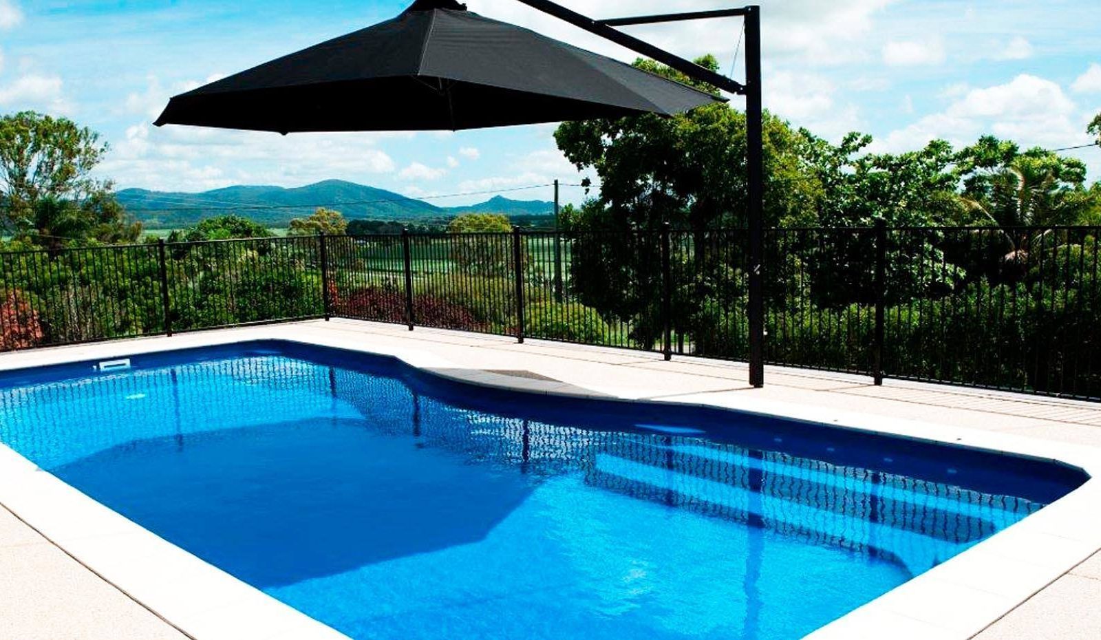 Moroccan Fibreglass Pool By Toronto Pool Builder M E Contracting