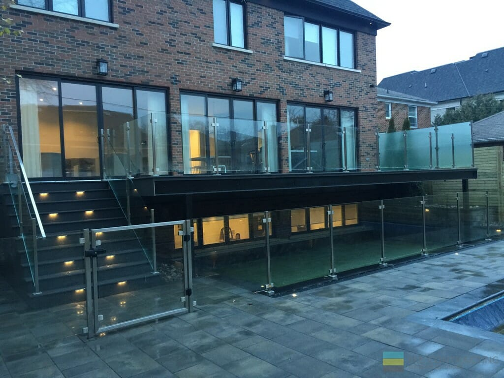 Pvc Deck With No Columns And Glass Railings M E