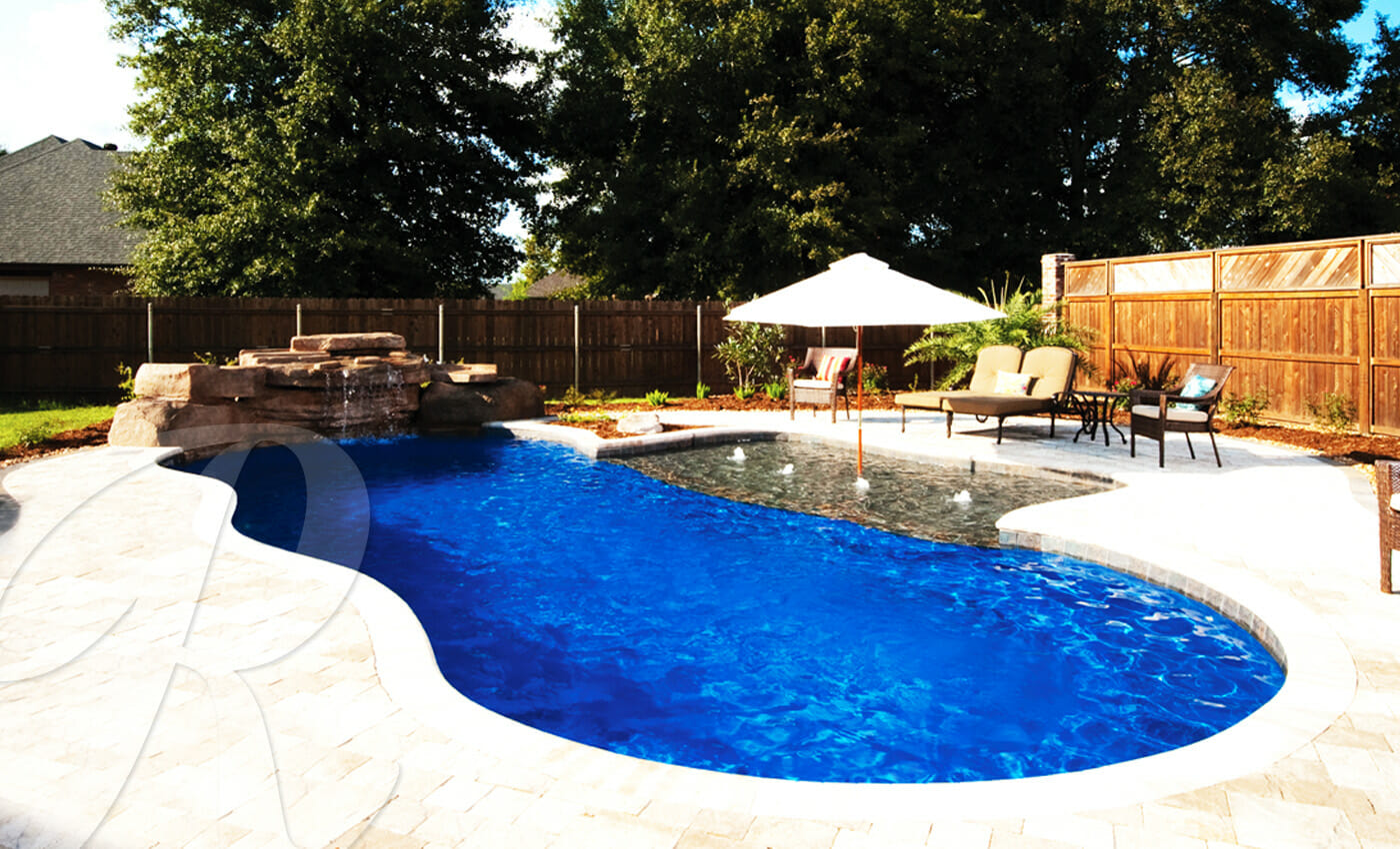 Riviera fibreglass pool by toronto pool builder m e - Riviera fiberglass pools ...