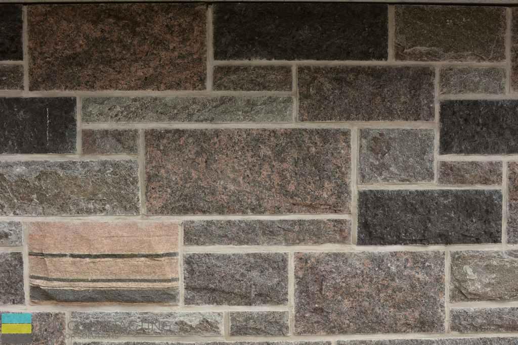 Interlocking stone veneer