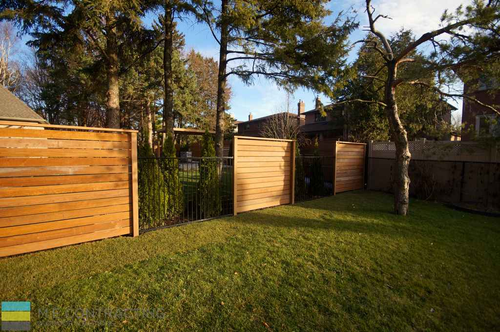 Landscaping, cedar privacy screen and fence, aluminum fence