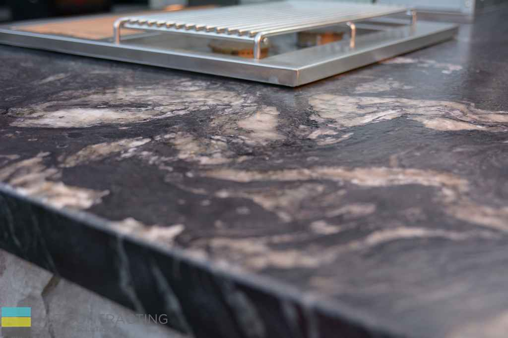 Coping flagstone counter top, outdoor kitchen